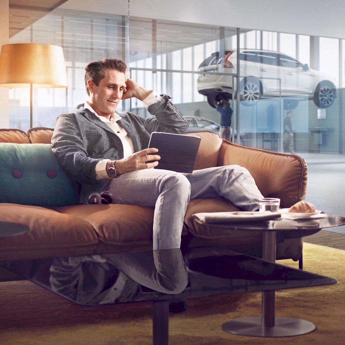 Volvo_Loungebereich_Wartezeit_VO_02391_processed.jpg